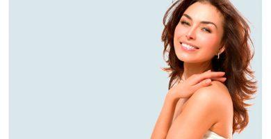 Prótesis capilares sintéticas para mujeres
